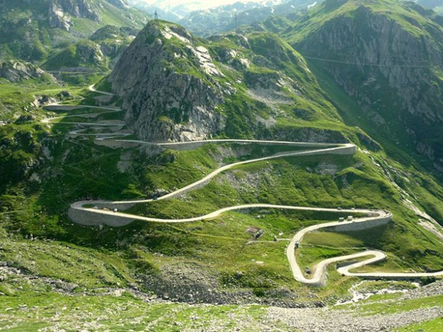 Swiss-Mountain-Pass-bike--004